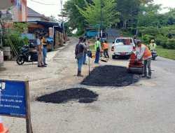 Dinas PUPR Barut Lakukan Perbaikan Jalan Dalam Kota