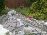 kamienna rzeka na skalniaku