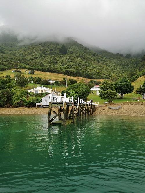 Waihinau Bay, Bulwar