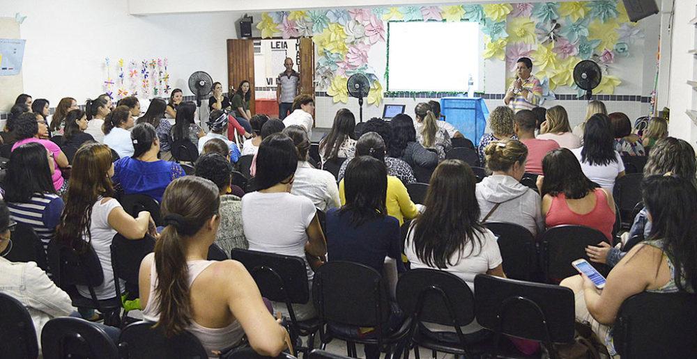 Professores da rede municipal participam da formação do Pacto Nacional pela Alfabetização na Idade Certa