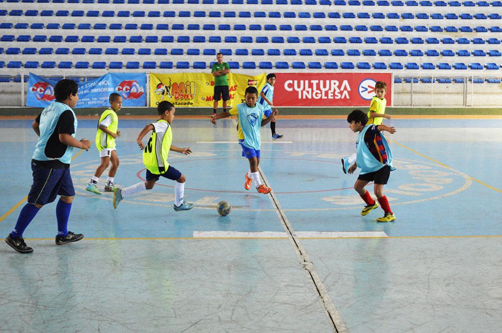 Amistosos unem atletas das escolinhas de futsal de Teresópolis e do Fluminense