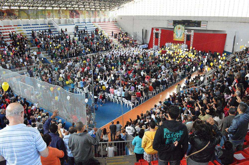 Corpus Christi é celebrado com missa e procissão