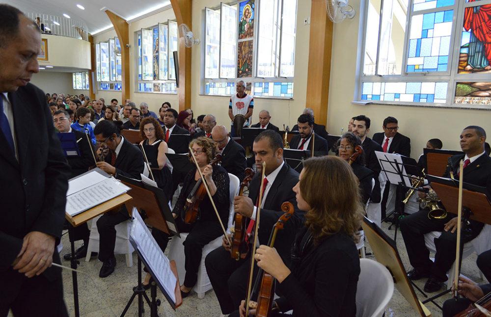Missa pelo Aniversário da Cidade reúne fiéis