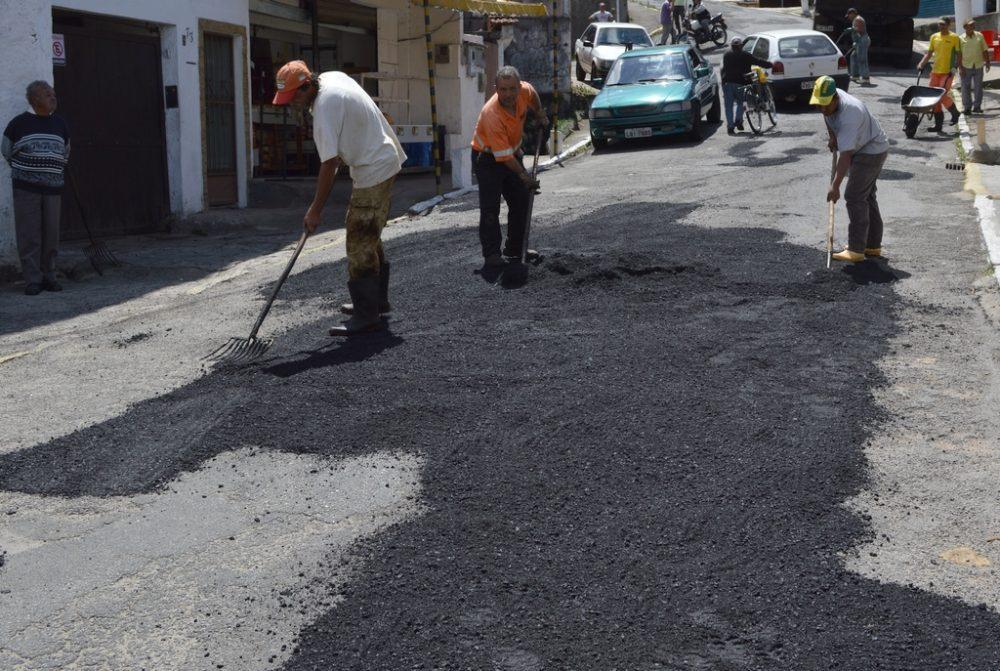 Serviços Públicos: trabalhos de manutenção acontecem em 14 bairros