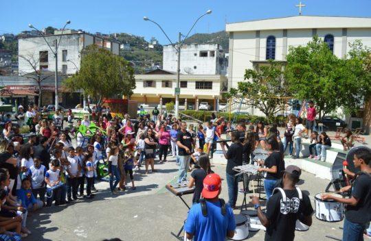 Público prestigia confraternização cívica pelo Dia da Independência do Brasil, na Barra do Imbuí