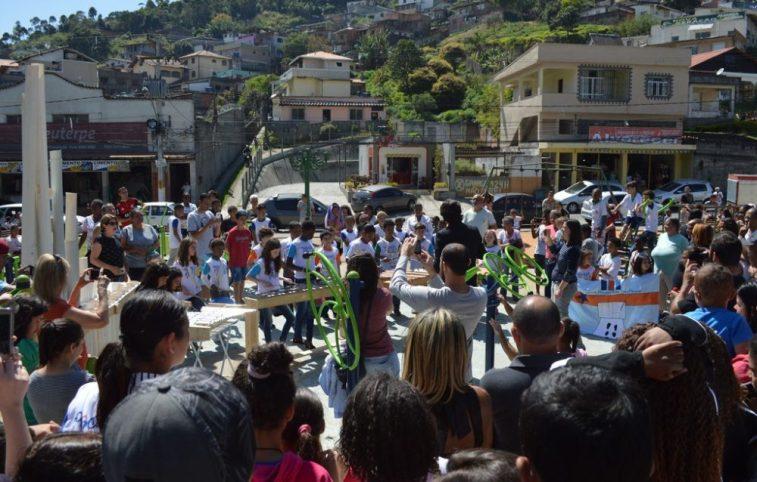 Banda Reciclarte, com alunos da Escola Belkis Frony Morgado, se apresenta pelo Dia da Independência do Brasil