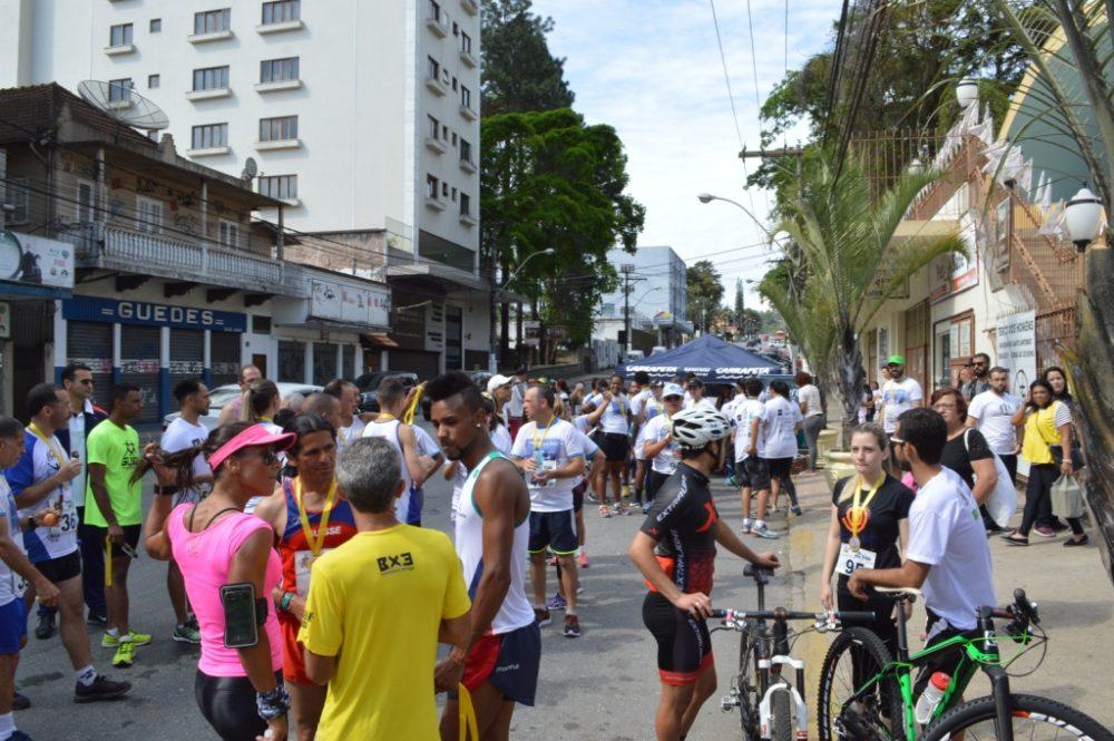 '1ª Corrida pela Vida' atrai 100 participantes