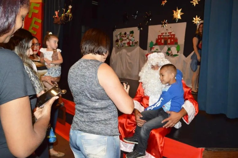 Festa de Natal da Creche Elza Corradini, com participação especial do Papai Noel