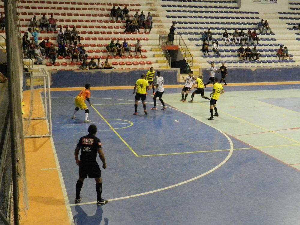 Copa Terê Futsal acontece no Ginásio Pedrão