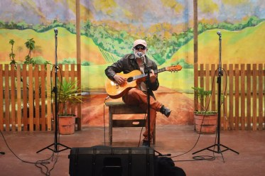 Músicos se apresentam na comemoração pelo aniversário do 'Cultura de Raiz'