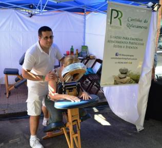 Evento ofereceu massagem para os visitantes