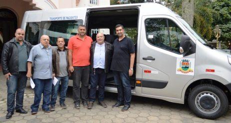 Rafael Santos, Valdir Paulino, Itamar Rodrigues e o prefeito Pedro Gil entre os vereadores Ronny Carreiro e Leonardo Vasconcellos