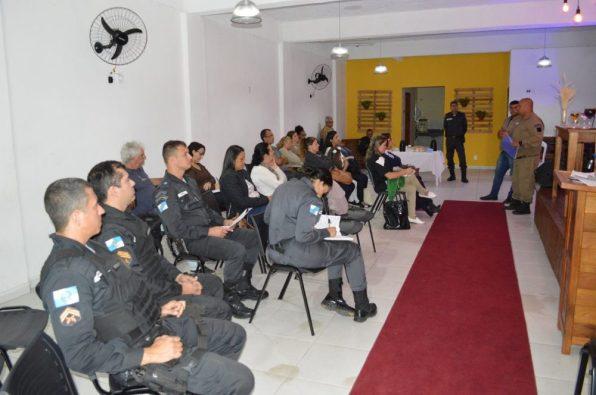 Guarda Civil Municipal e Polícia Militar participam de reunião do Conselho Escolar