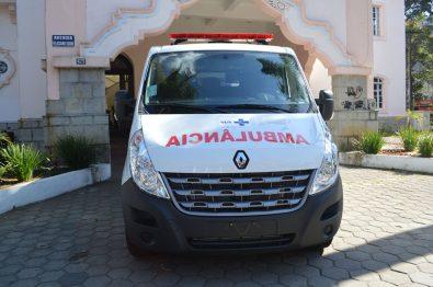 A ambulância básica é a primeira de três que chegarão à cidade