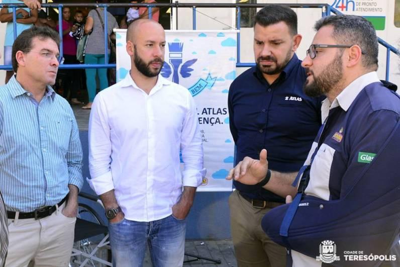 Secretário de Saúde Mauro Botner e Prefeito Vinicius Claussen com Alessandro Brandão e Rafael Borba