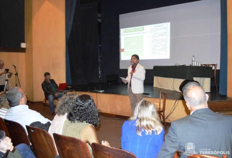 Raimundo Lopes, Secretário de Meio Ambiente, mediador na audiência pública do Aterro Controlado do Fischer
