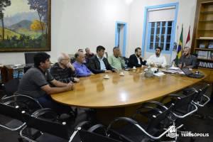 VEREADORES CONHECEM COMO EXECUTIVO PRETENDE CONDUZIR PROCESSO PARA LICITAÇÃO DE TRANSPORTE E ÁGUA