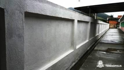 Novo muro da Escola Prof. Mariana Leite Guimarães