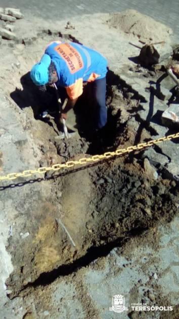 Reparos de galeria e intertravados na Fonte Judith, no Alto