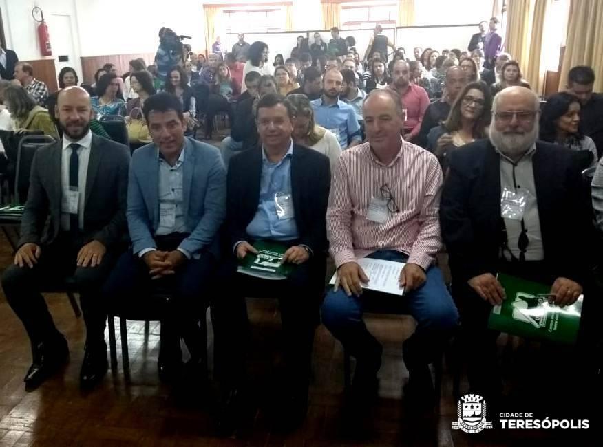 INTEGRAÇÃO: PREFEITO VINICIUS CLAUSSEN PARTICIPA DE SEMINÁRIO REGIONAL