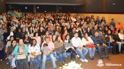 Teatro Municipal lotado na abertura do Canta Terê 2018