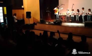 Escola Villa-Lobos 1