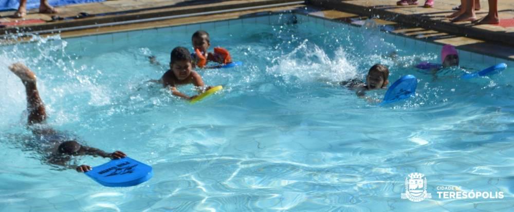 Festival de Natação marca encerramento das escolinhas da Secretaria de Esportes em 2018