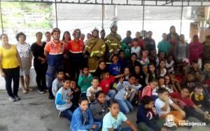 Final do treino na Escola Alice Saldanha com as equipes da Defesa Civil e 16º GBM