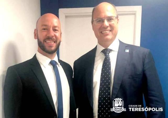Investimentos no mercado de trabalho e situação da educação no interior de Teresópolis são debatidos com o Governador do Estado