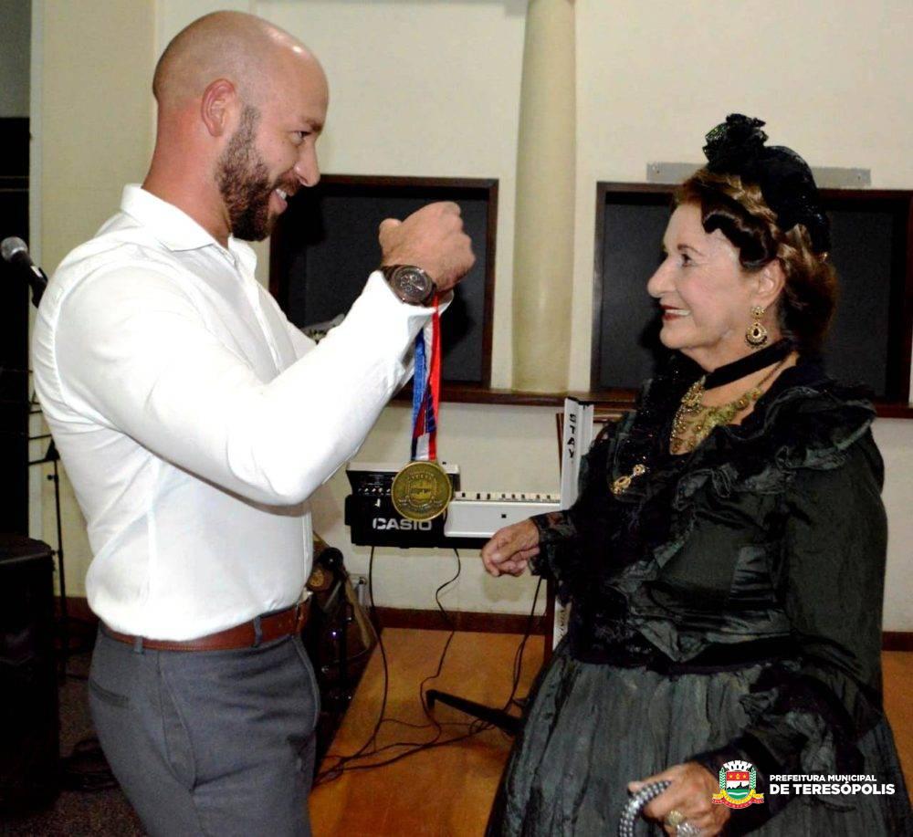 Medalha Imperatriz Teresa Cristina: premiação presta homenagem a mulheres de destaque em Teresópolis