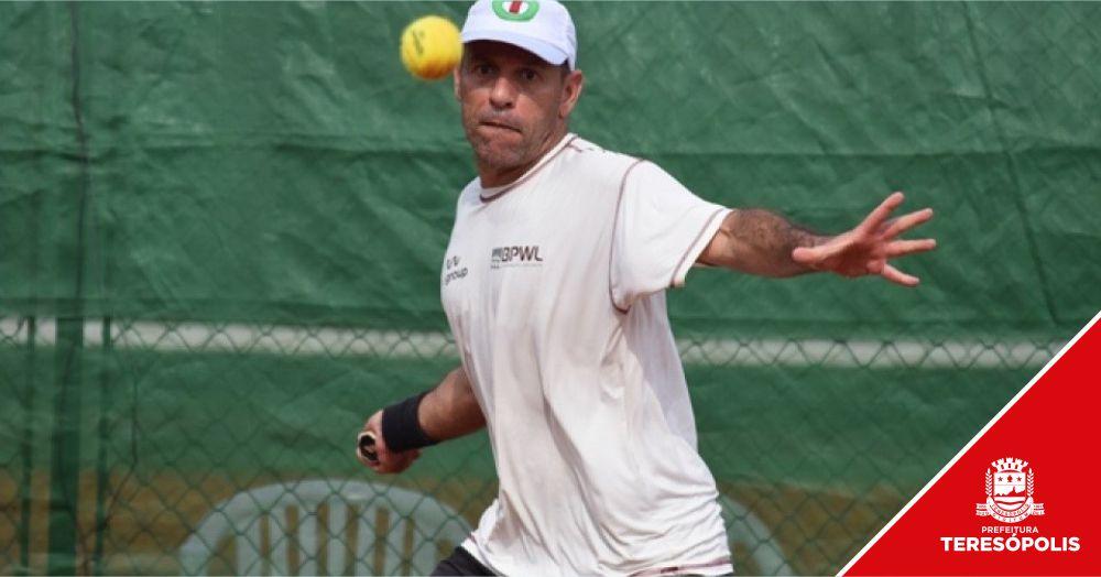 Consagrado tenista teresopolitano, Clayvert Gusmão levará a chama olímpica dos JET 2019