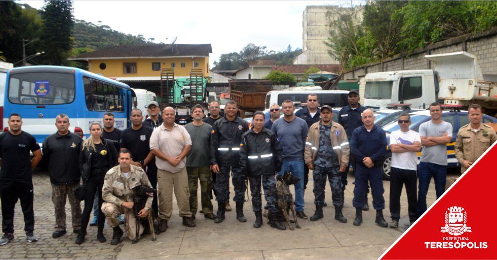 Equipes da Companhia de Cães e da Ronda Escolar de Teresópolis participam de intercâmbio de treinamento