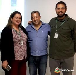 Secretário Marcos Jaron entre Regina Santos e Gustavo Areal, da Conab-RJ