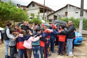 Formação dos alunos após a evacuação do prédio escolar