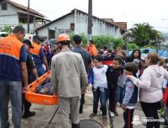 Simulação de resgate de vítima feito durante o exercício.