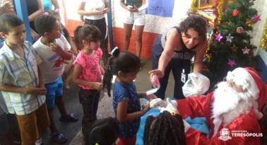 CAPSi faz Feira de Natal e reúne pacientes e familiares em confraternização