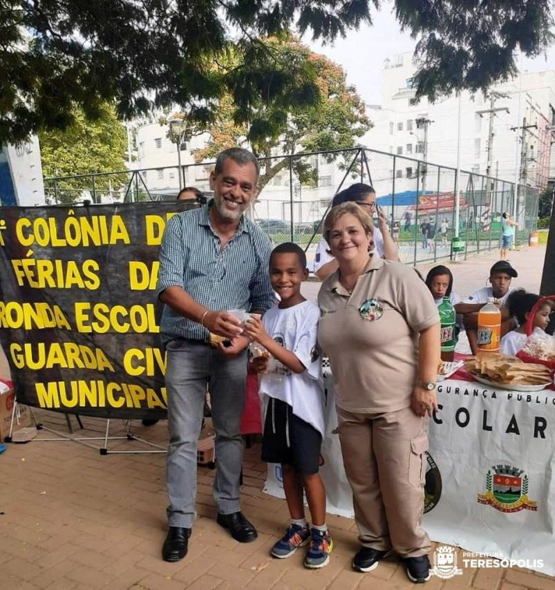 Secretário de Segurança Marcos da Luz e inspetora Jania Gonçalves, da Ronda Escolar
