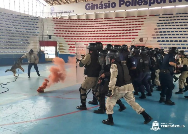 Guardas municipais de seis estados concluem curso de Patrulhamento Tático Motorizado em Teresópolis