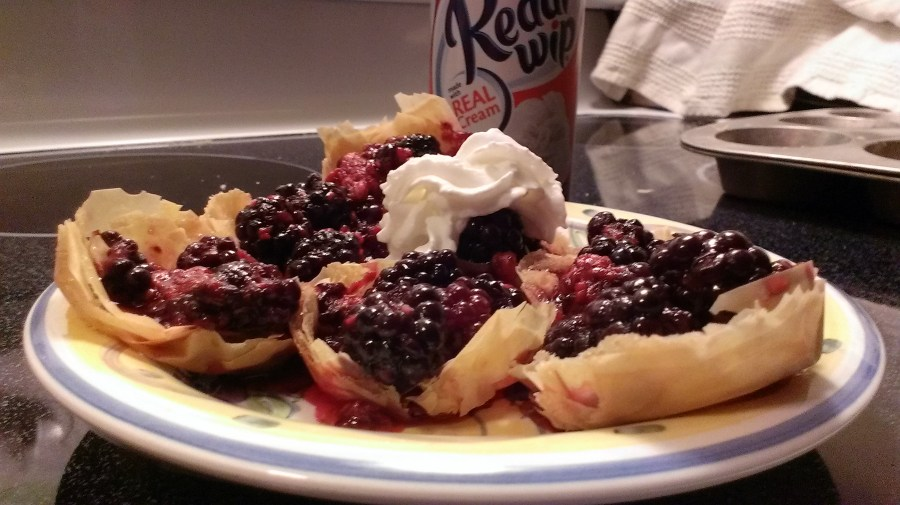 easy berry phyllo tarts with Reddi-Wip