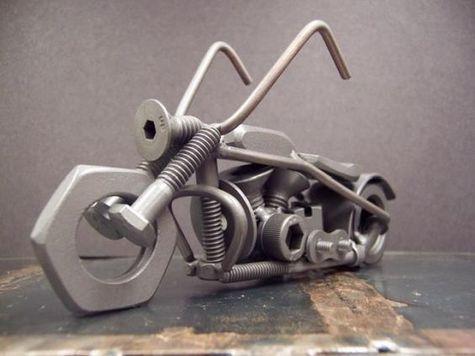 miniatur  dari besi bekas