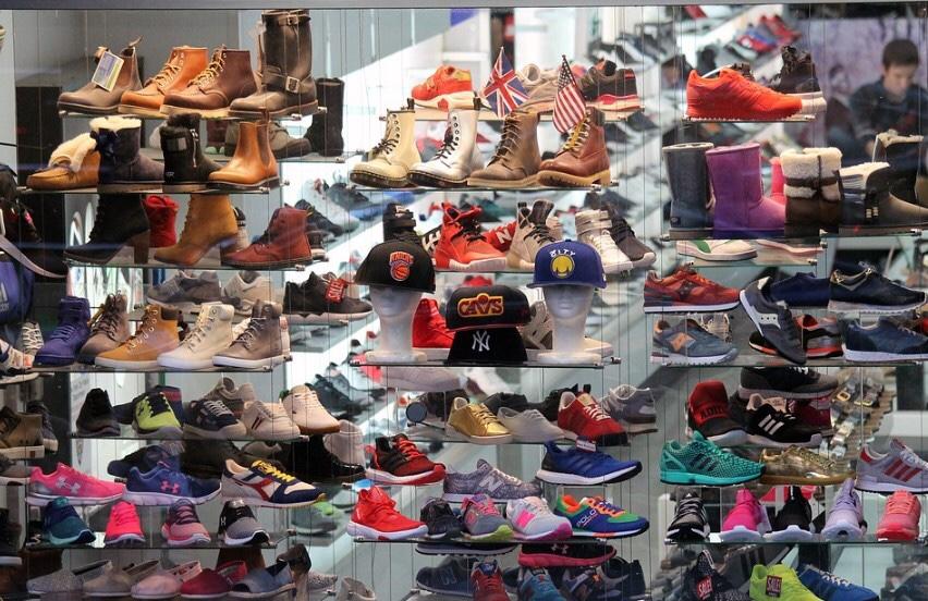 Bisnis sepatu dan sandal