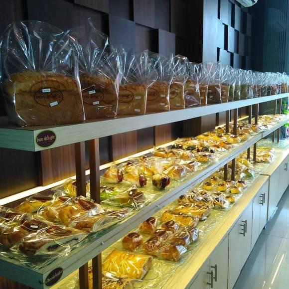 usaha toko roti bakery