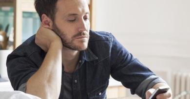 Wanita Wajib Tau 8 Alasan Pria Menyingkir Ketika Jatuh Cinta