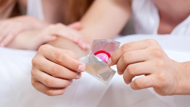Reaksi Apa yang Akan Terjadi saat Anda Menggunakan Kondom?