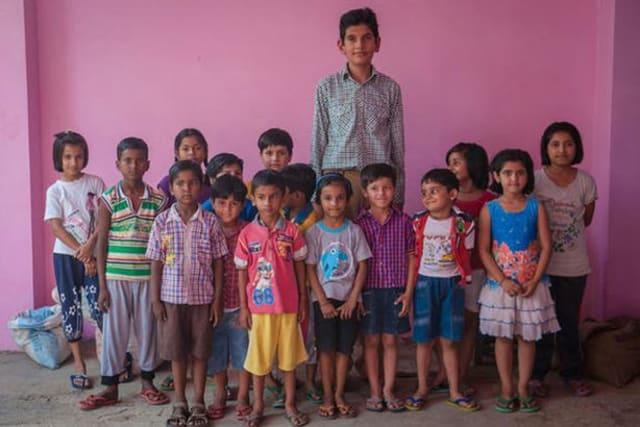 Anak Tertinggi Di Dunia, Bocah 8 Tahun Ini Tingginya Mencapai 2 Meter