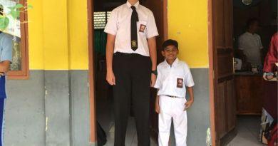 HEBOHKAN SEKOLAH DI TANGERANG, BARU KELAS 1 SMA TINGGI MENCAPAI 195 SENTIMETER