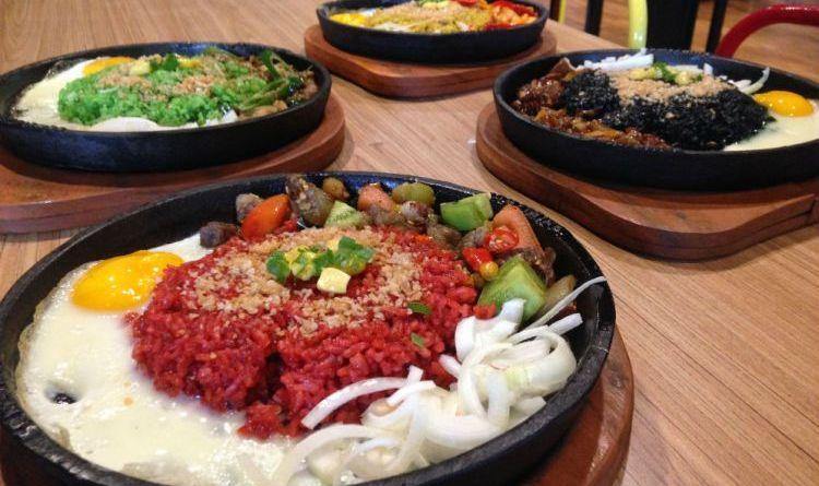 Unik Dan Lezat, Nasi goreng warna-warni Hadir Di Bandung