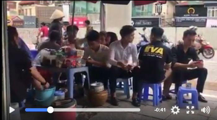 Video Viral, Pedagang Wanita Beri Minum Pelanggan Dengan Air Cucian Kaki