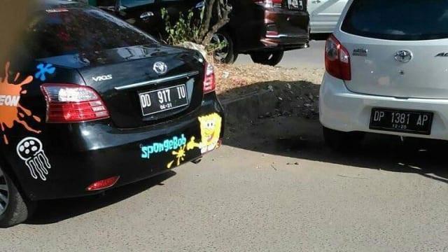 Viral Gara-Gara Senggol Spion Mobil Remaja Ini di Pukul