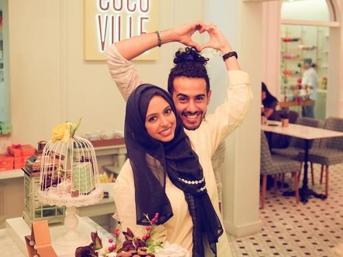 Di Arab, Pasangan Unik ini Menikah Pakai Sepatu Roda